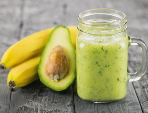 Smoothie green di banana e avocado